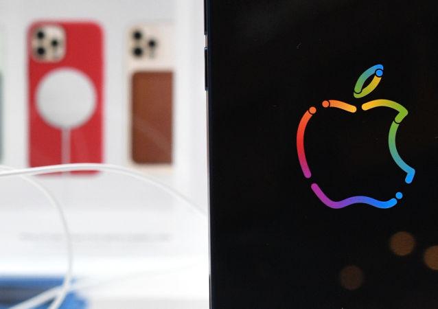 在俄销售苹果电子产品将预先安装俄应用