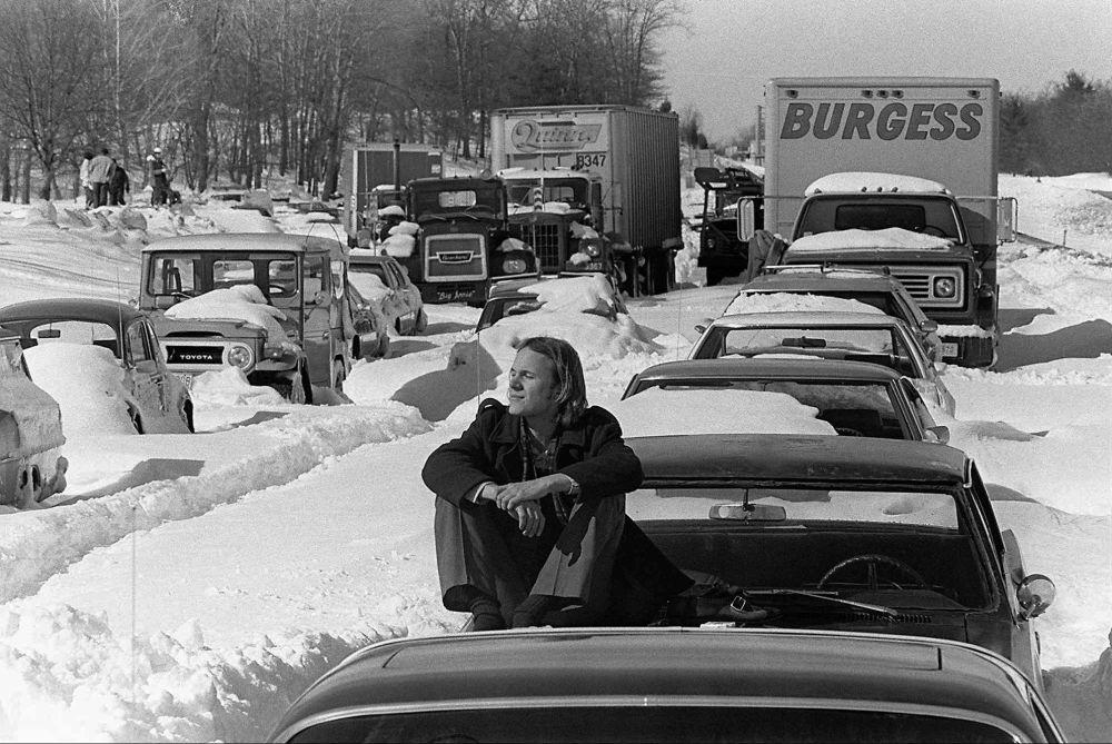 1978年2月的强降雪导致马萨诸塞州128号公路交通堵塞。