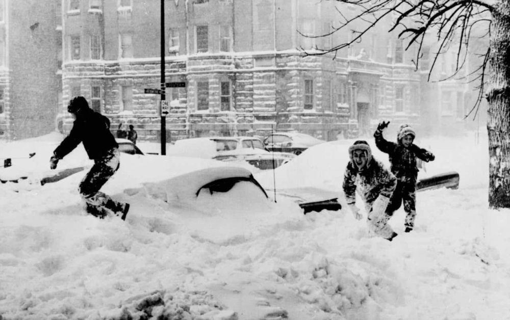 1967年1月,芝加哥暴风雪过后的影响。