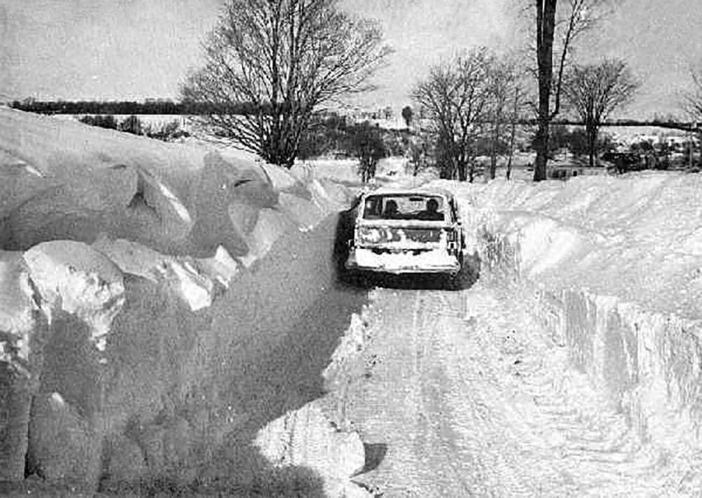 1977年,纽约(布法罗)暴风雪过后的影响。