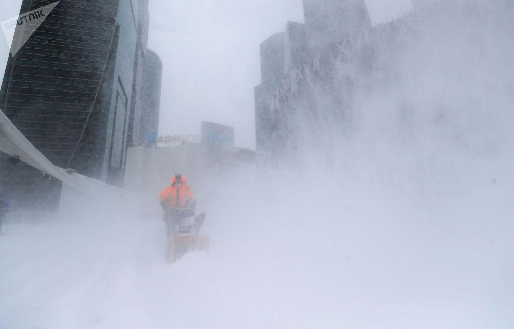 莫斯科降雪。