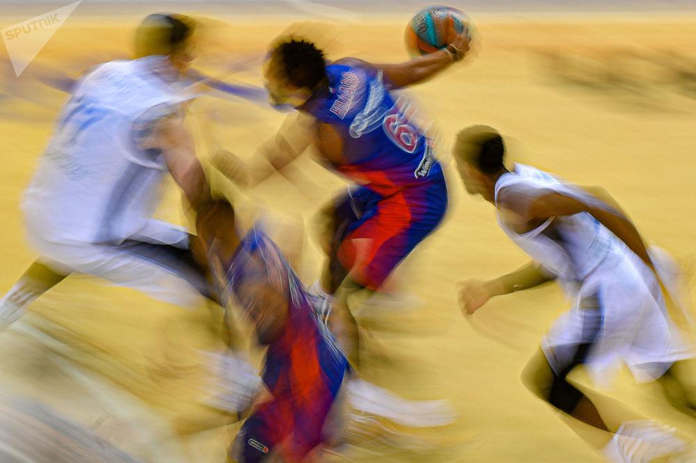 """VTB排球联赛,""""中央陆军""""对阵""""泽尼特""""。"""