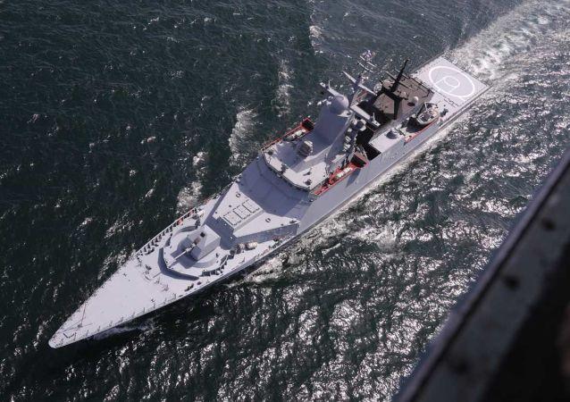 """俄罗斯波罗的海舰队""""坚强""""号护卫舰"""
