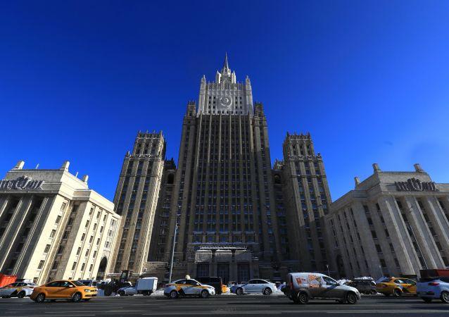 """俄外交部:英国军舰进入黑海的目的是进行""""威慑"""",西方正试图对莫斯科的方针施加影响"""