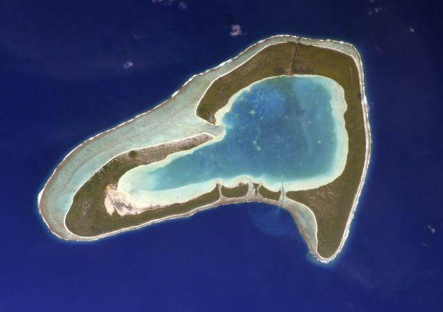 图帕伊岛心形环礁,俄罗斯宇航员谢尔盖·库德-斯韦尔奇科夫从国际空间站拍摄。