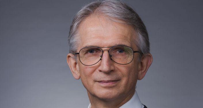 尼古拉·科兹洛夫教授