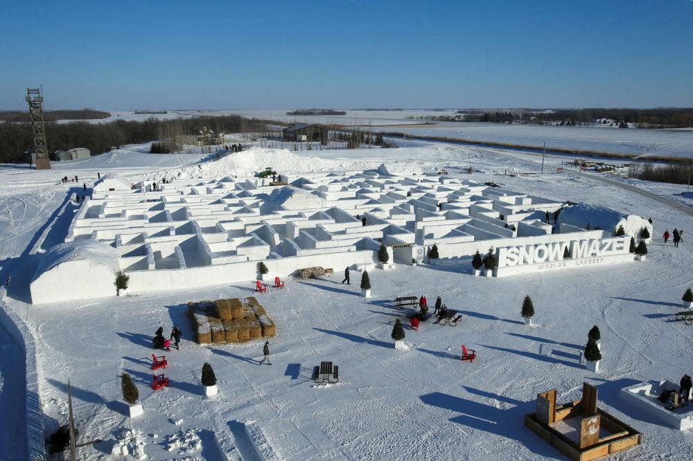 俯瞰雪迷宫。