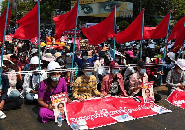 美国对两位缅甸将军实施制裁
