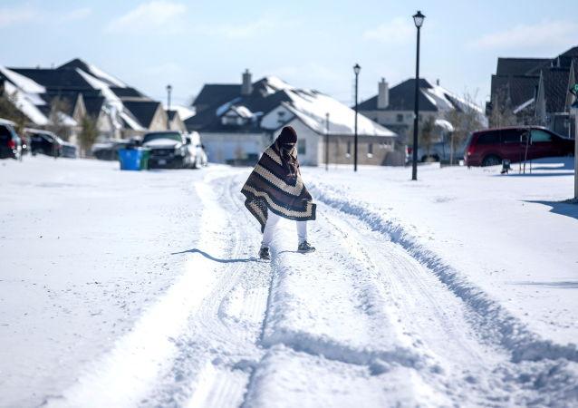 得克萨斯州电网暴风雪期间曾处于完全停电边缘