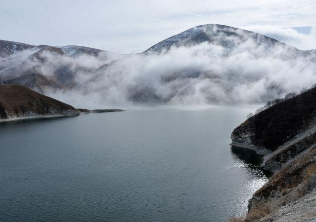 车臣共和国韦杰诺区的克泽诺伊阿姆湖