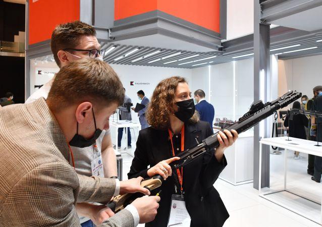 俄技术集团希望借助新的武器市场将营收提高10%