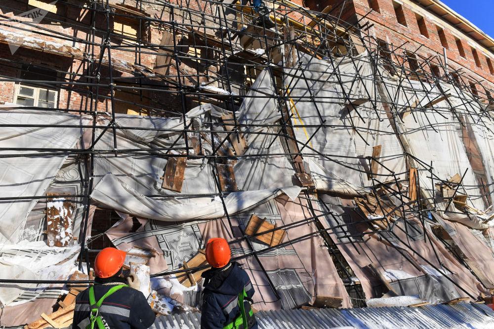 莫斯科市一施工现场发生脚手架垮塌事故。
