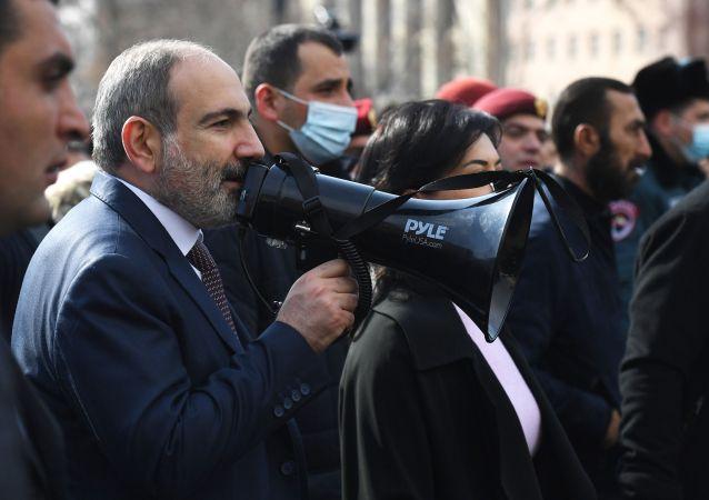 亚美尼亚军方高层确认前总参谋长曾要求帕希尼扬辞职