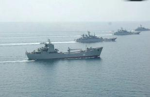 俄罗斯战舰编队游弋黑海演练火炮实弹射击