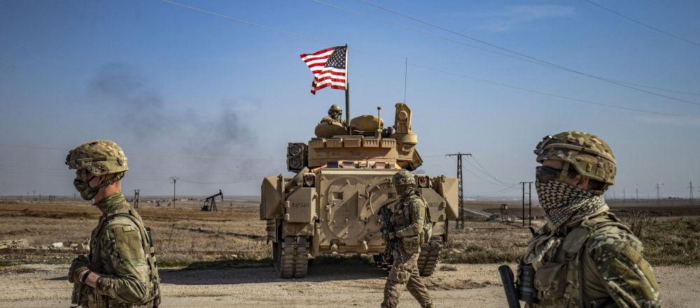 美国联军加强在叙利亚东部空运军用货车
