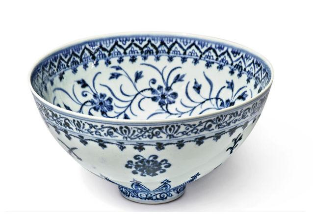 美国拍卖罕见青花瓷碗:估价50万美元 卖家入手仅花35美元