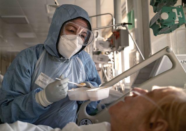 专家:俄罗斯新冠疫情可能在八月前结束