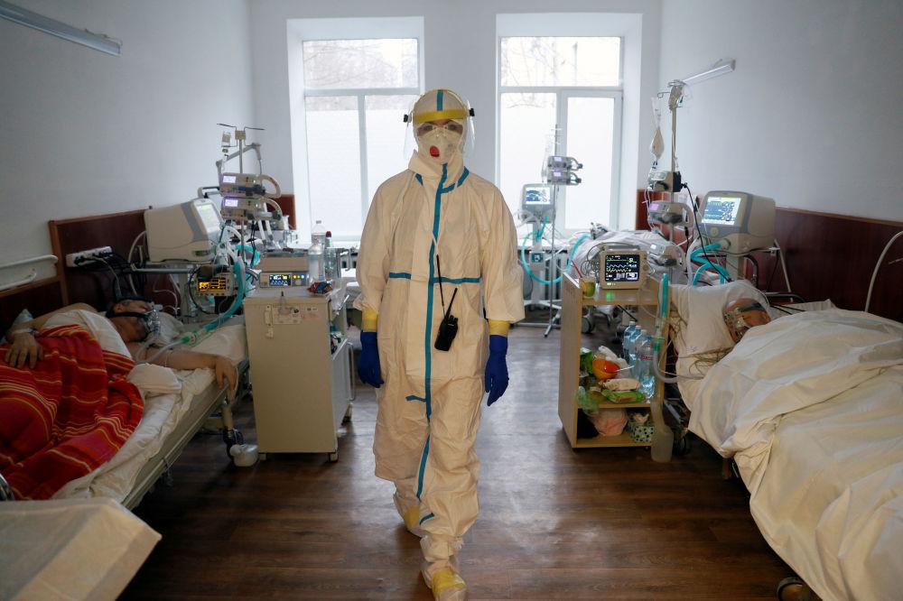 乌克兰基辅市医院女医师。
