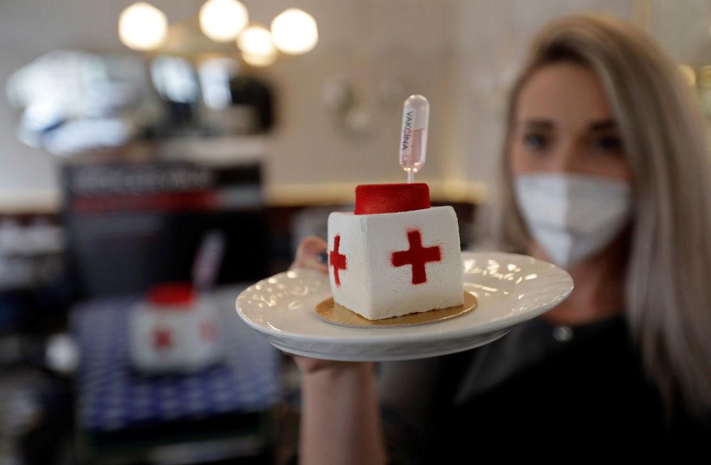布拉格糖果点心的首次亮相——新冠病毒形状的甜点。