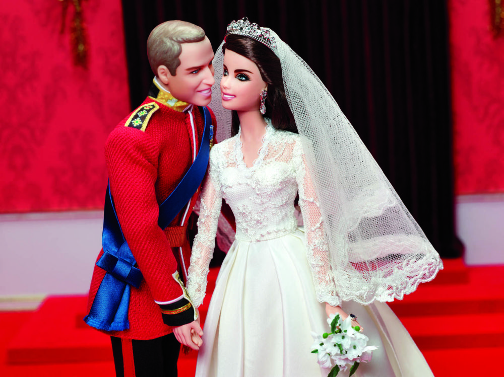 威廉王子夫妇大婚造型的芭比娃娃。