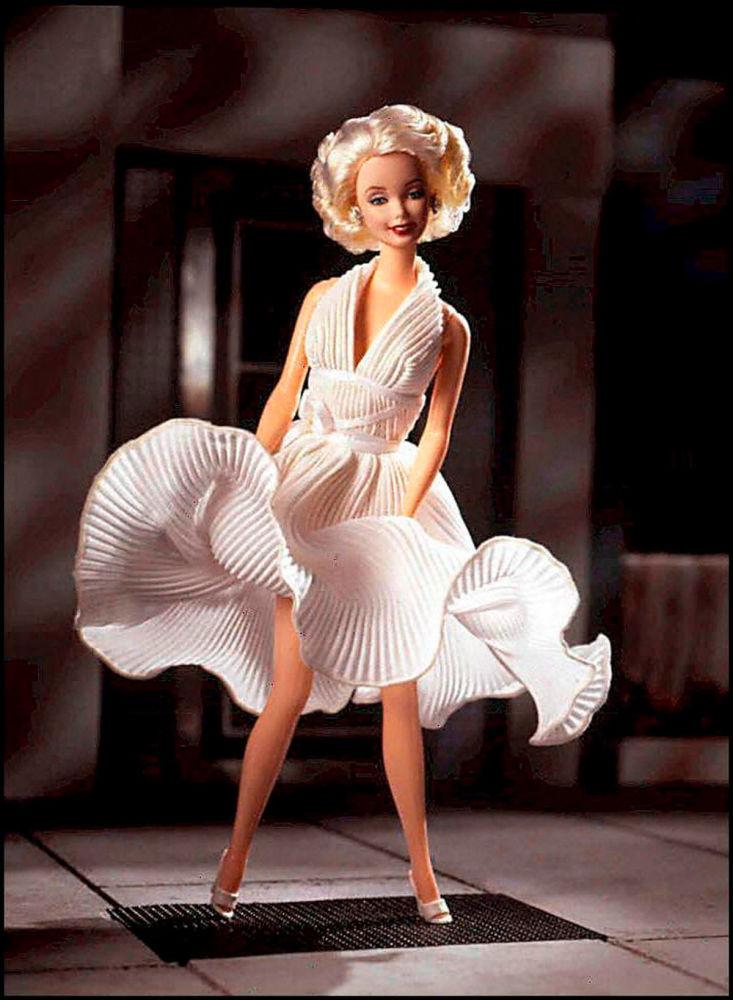 玛丽莲·梦露造型的芭比娃娃。