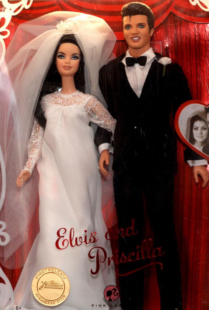 猫王和普里西拉·普雷斯利造型的芭比娃娃。