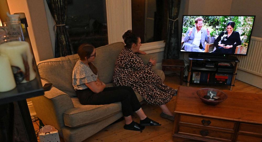 美国电视主持人奥普拉·温弗里对哈里王子及其妻子梅根·马克尔的采访