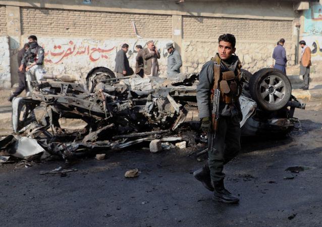 阿富汗汽车爆炸事件死者升至7人 50人受伤