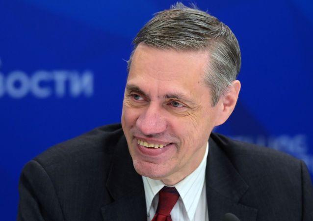 安德烈·奥斯托洛夫斯基教授