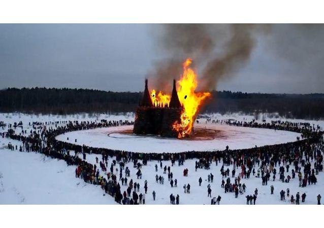 卡盧加州藝術公園引燃送冬日病毒城堡