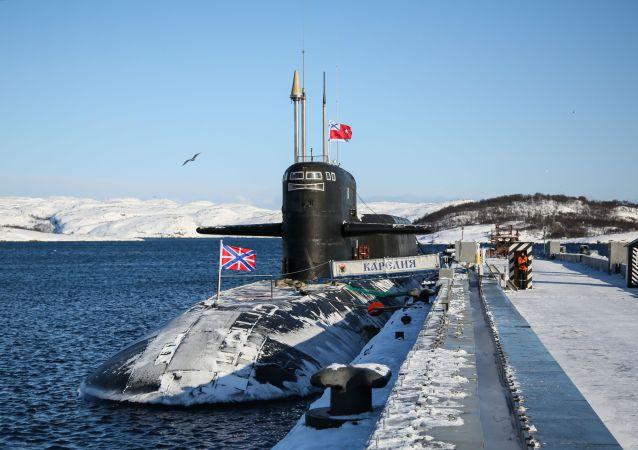 """消息人士:俄军所有多功能核潜艇都将配置""""口径""""、""""缟玛瑙""""和""""锆石""""导弹"""