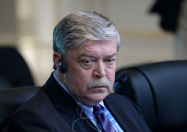 俄罗斯新任大使向白俄罗斯外交部长递交国书副本