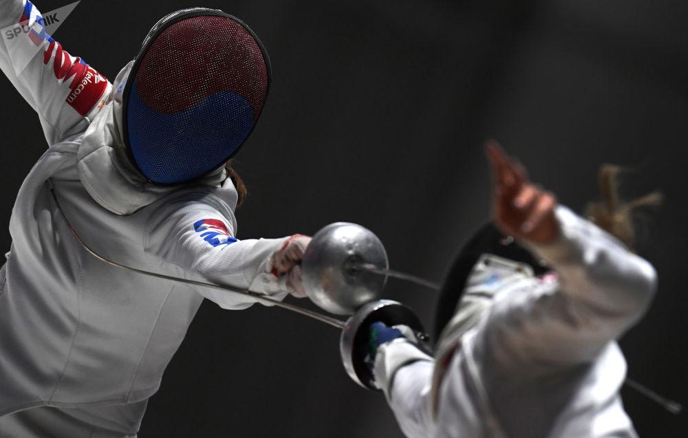 世界杯击剑比赛重剑团体赛。
