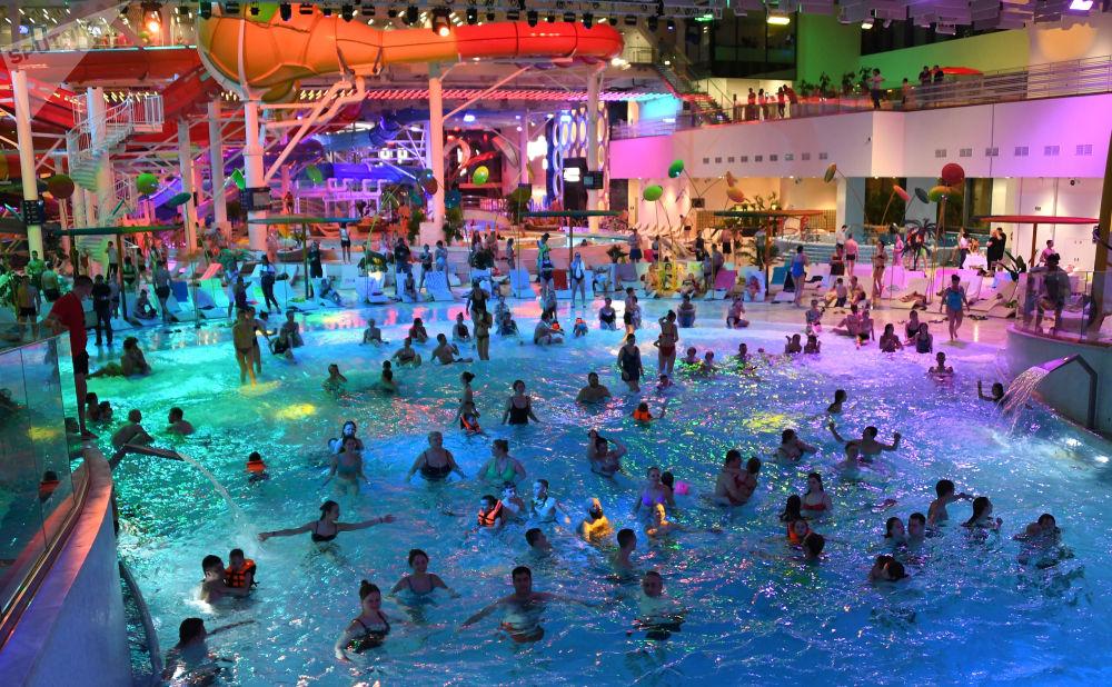 卢日尼基体育场Aqua Fest文化节。