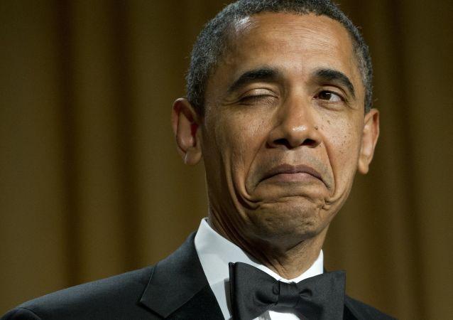 2021年,美国总统奥巴马在白宫新闻协会晚宴上的幽默瞬间。