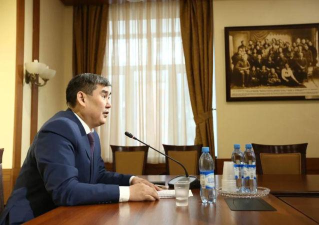 东北联邦大学的校长阿纳托利·尼古拉耶夫