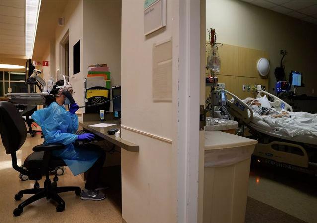 拜登宣布接种2亿剂新冠疫苗任务完成