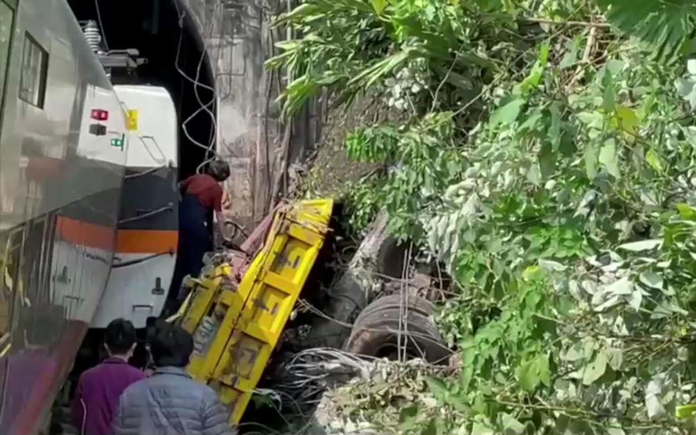 列车出轨事故现场。
