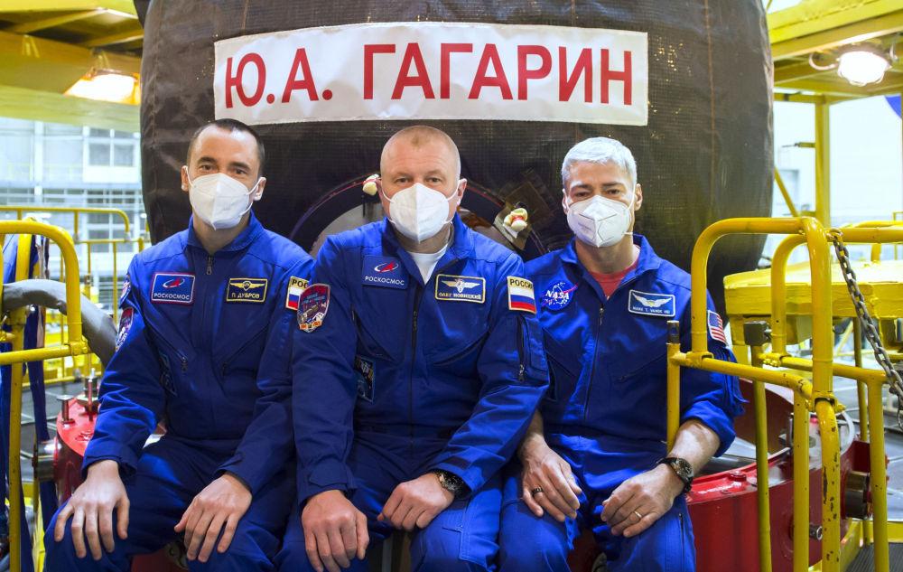 国际空间站第65乘组人员在拜科努尔进行考试训练