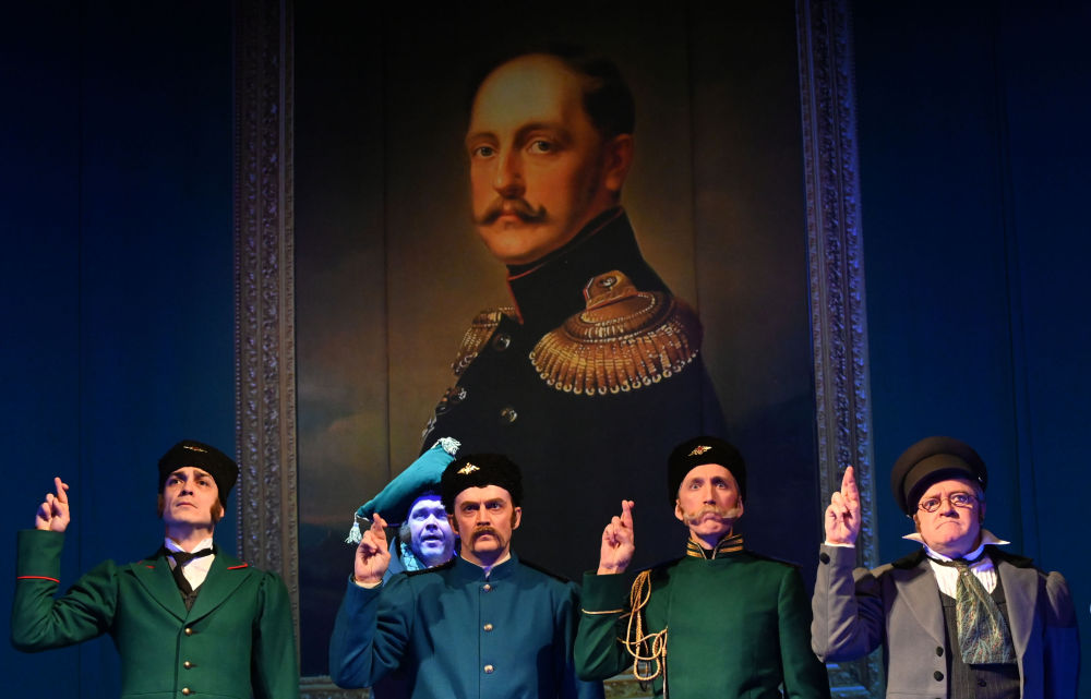 莫斯科小剧院里上演话剧《死魂灵》