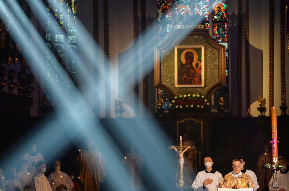 华沙庆祝天主教复活节
