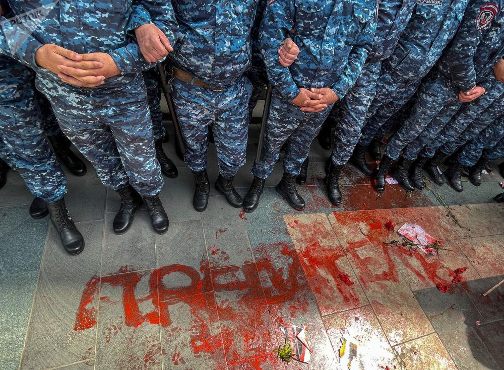 埃里温市抗议集会。