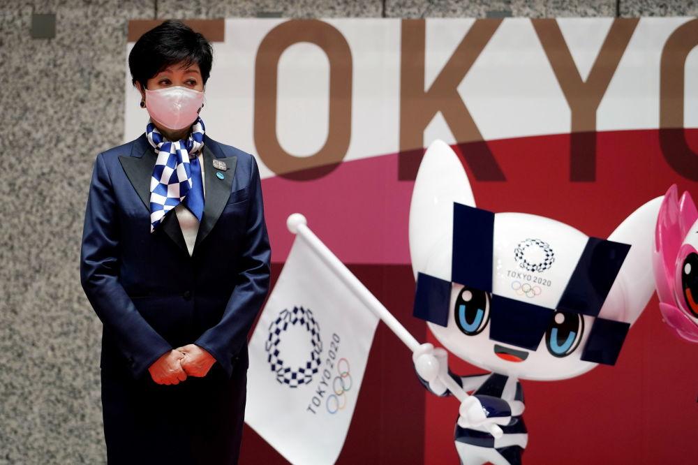 东京都知事小池百合子参加100日倒计时活动。