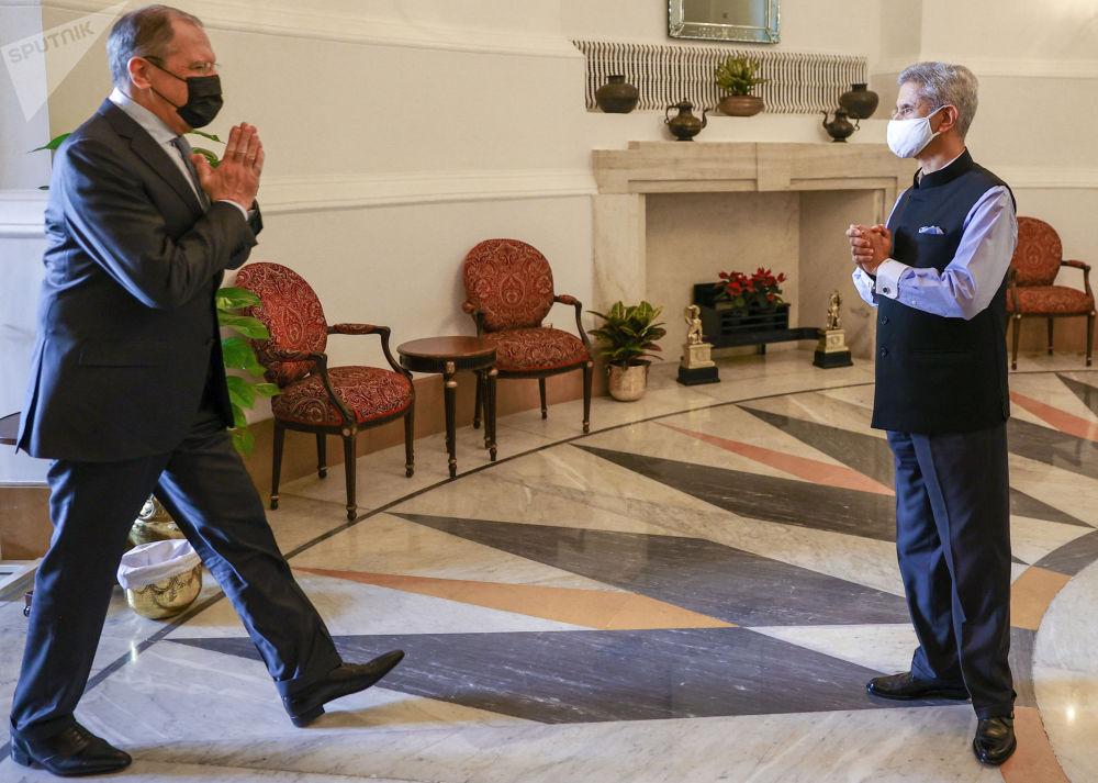 俄联邦外长拉夫罗夫出访印度。