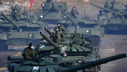 阿拉比诺靶场举行胜利日阅兵式彩排。
