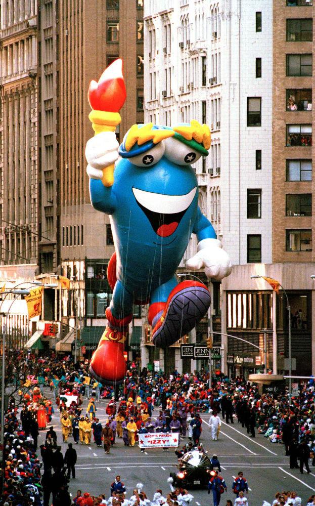 1996年亚特兰大奥运会吉祥物参加纽约市感恩节游行。