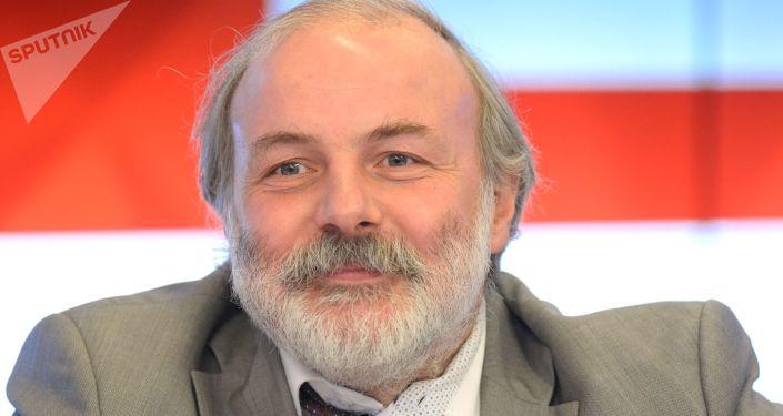 莫斯科连续数学教育中心主任伊万·亚申克