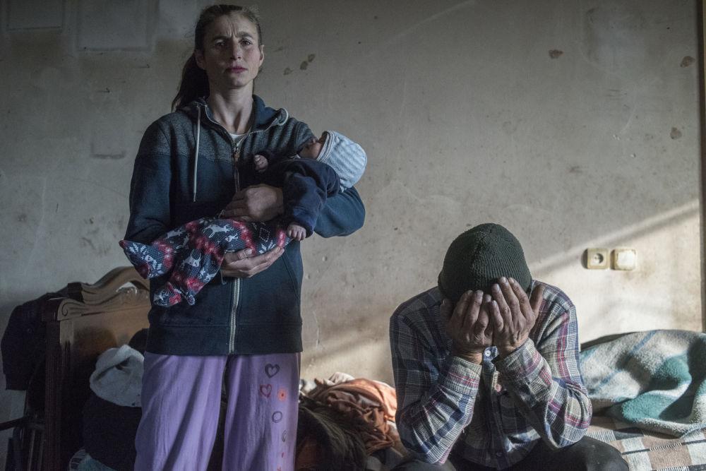 俄罗斯摄影师瓦列里•梅尔尼科夫的《失乐园》系列作品,获得一般新闻类第一名。