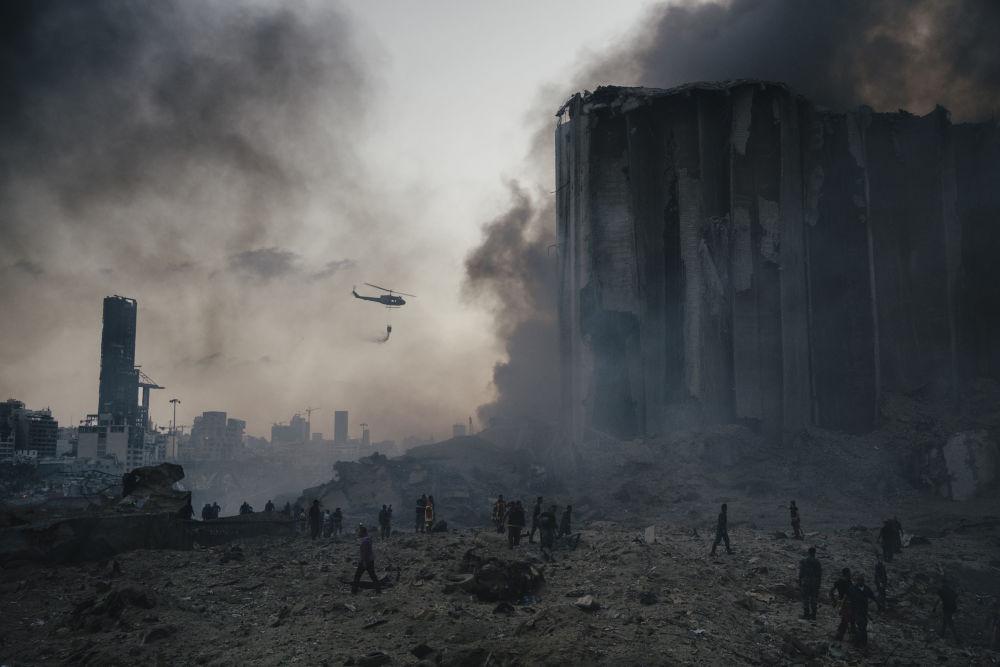 意大利摄影师洛伦佐•图尼奥利拍摄的潘塔纳尔大火系列作品,获得体育新闻类第一名。
