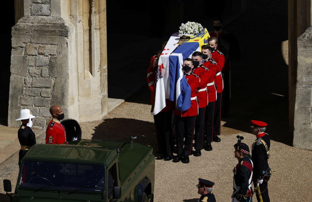 葬礼上的已故菲利普亲王的棺材。